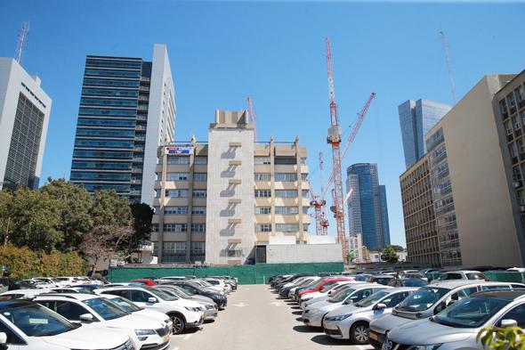"""חניון דובנוב. התוכנית מאפשרת לבנות 35 אלף מ""""ר"""