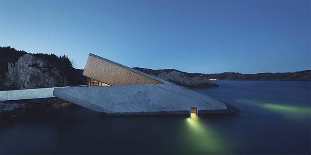 המסעדה התת-ימית הראשונה באירופה נפתחה בנורבגיה; יש לה כבר 7,000 הזמנות