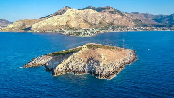 האי Isola delle Femmine בסיציליה