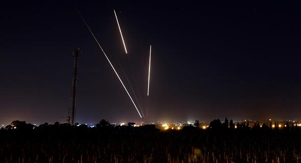 שיגור כיפת ברזל נגד טילי קסאם שירו ארגוני טרור בעזה, הלילה