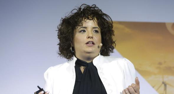 """טל קאופמן - בעלים ונשיאה של סימטל ציפויים ויו""""ר פורום נשים בתעשייה, צילום: עמית שעל"""