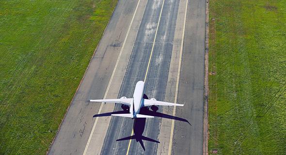 """""""נוסעים נכבדים, ברוכים הבאים ל.. רגע, נראה לי שהיתה פה טעות"""", צילום: שאטרסטוק"""