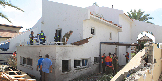 בית בדרום שנפגע מרקטה זירת הנדלן, צילום: אוראל כהן