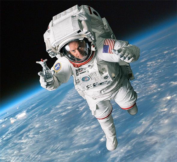 """סקוט קלי ב""""חלל"""", צילום: sodastream"""