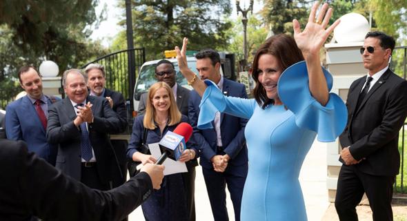 """לואי־דרייפוס בעונה החדשה של """"ויפ"""". שק החבטות של הסדרה נהפך למתחרה המוביל להובלת המפלגה, צילום: YES"""