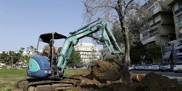 העבודות הבוקר בכיכר המדינה, צילום: עמית שעל