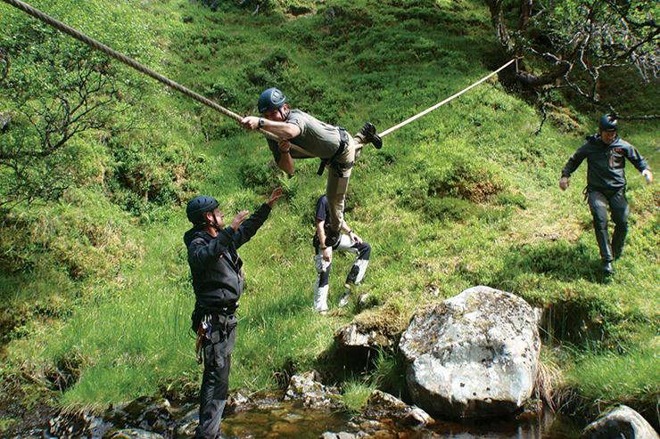 קורס הישרדות של 24 שעות בהרי הקטסקיל, ניו יורק, צילום:  Bear Grylls Survival Academy