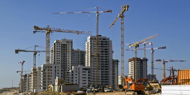 """אתר בניה מנופים זירת הנדל""""ן, צילום: Shutterstock"""