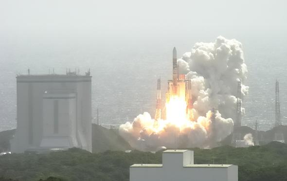שיגור חללית יפנית למשימה אל הירח