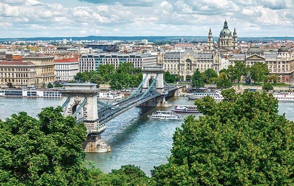 בודפשט. דחקה את ברלין ולונדון מפסגת הרי ההיי-טק