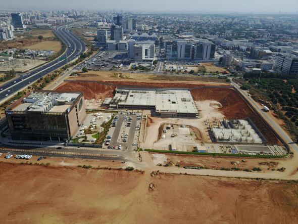 הקרקע ברעננה עליה בונה אמדוקס את פרויקט הקמפוס שלה, צילום: יאיר שגיא