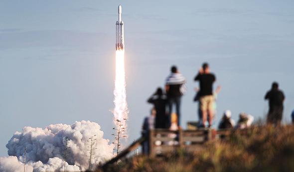 שיגור הפלקון, הלילה, צילום: גטי אימג