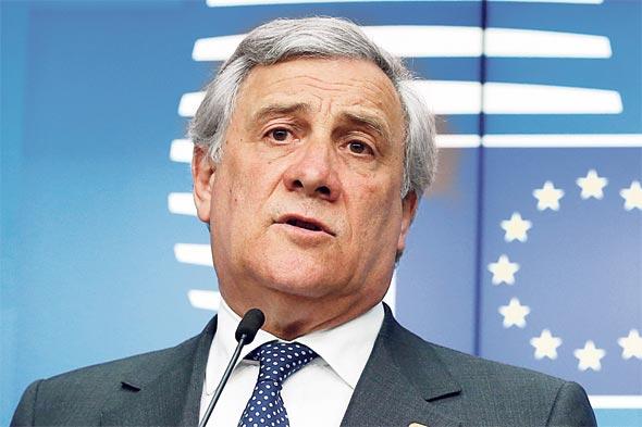 """יו""""ר הפרלמנט האירופי אנתוניו טג'אני. החלטות משמעותיות לשוק הרכב"""