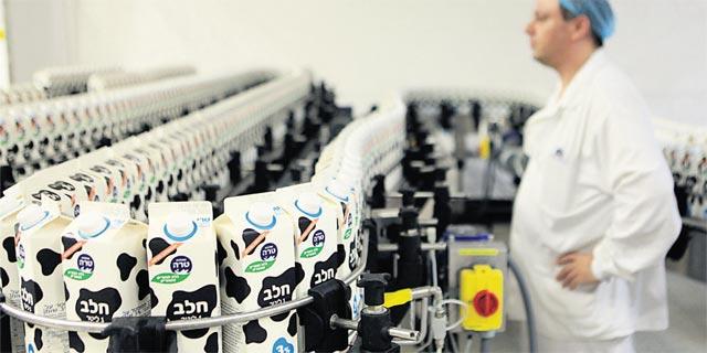 """הרפתנים נגד טרה: """"אין אמת בטענתה שמוצרי חלב מפוקחים לא רווחיים"""""""
