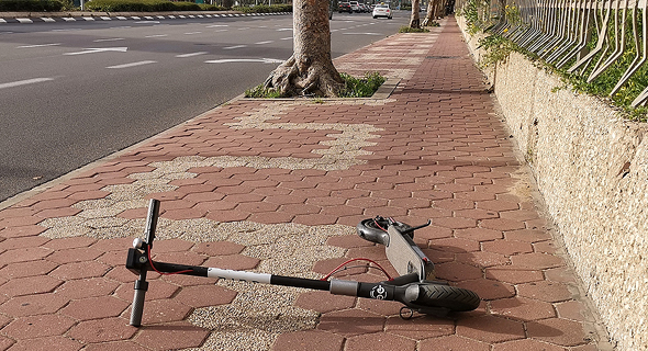 Electric scooter in Tel Aviv. Photo: Nitsan Saddan