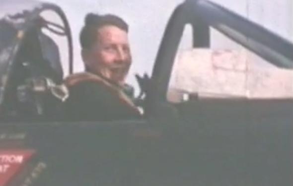 אלן פולוק במטוס ההאנטר שלו
