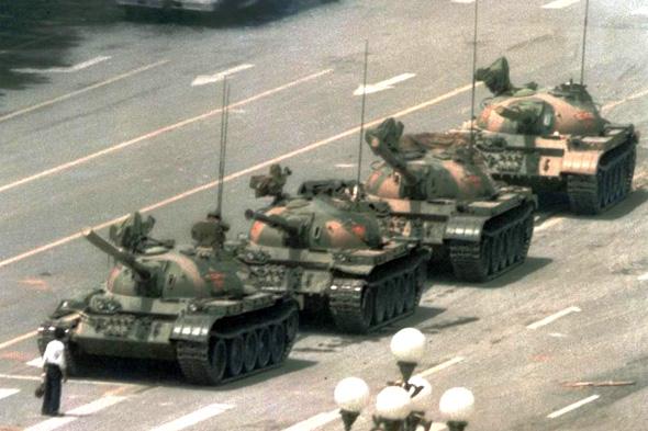 תמונת המחאה המפורסמת מאירועי כיכר טיאננמן