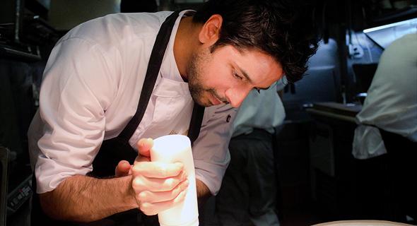 """מסיקה, שיבשל השבוע במסעדת L28 בתל אביב. """"תייר ישראלי שמתוך 60 אלף מסעדות בא לאכול אצלי גורם לי לבכות"""""""