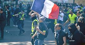 צרפת פריז מחאת האפודים הצהובים, צילום: גטי אימג'ס