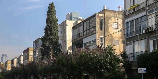 רחוב ארלוזורוב בתל אביב, שהקו הסגול יעבור בו. בעלי הנכסים התקוממו על הפקעת הגינות ומקומות החניה, צילום: אוראל כהן