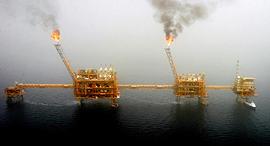 קידוח נפט אסדות קידוח המפרץ הפרסי איראן, צילום: רויטרס
