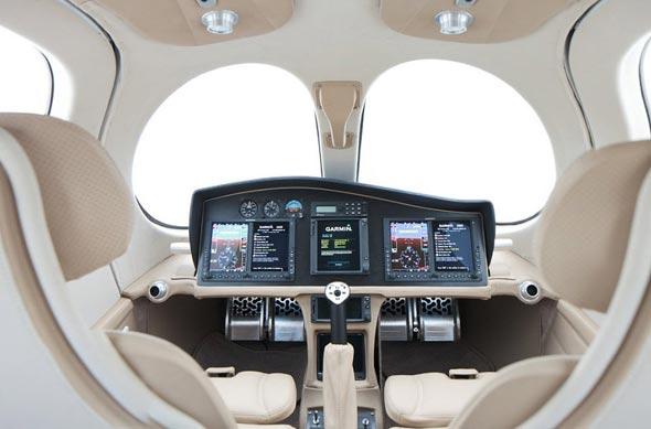 תא הטייסים, צילום: Flaris