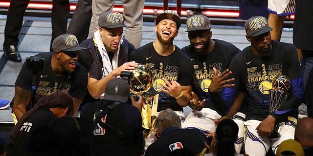 האם גולדן סטייט ווריירס נחלשה או שליגת ה-NBA התחזקה?