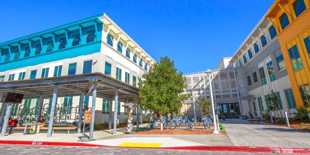 פייסבוק וגוגל ממליצות לעובדיהן במפרץ סן פרנסיסקו להישאר בבית
