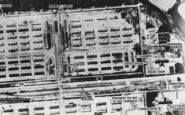 פענוח אווירי מדויק של מחנה אושוויץ-בירקנאו מקיץ 1944, צילום: USAF