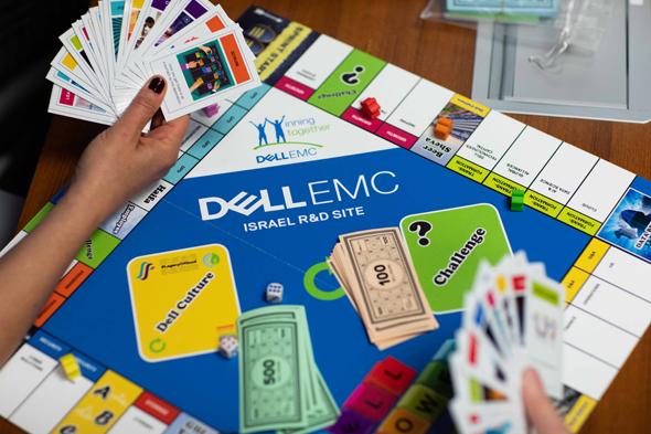 משחק הלוח של DellEMC