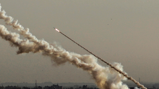 שיגורי רקטות מעזה (תמונת ארכיון), צילום: איי פי אי