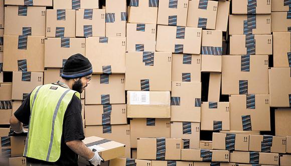מחסן אמזון, צילום: בלומברג