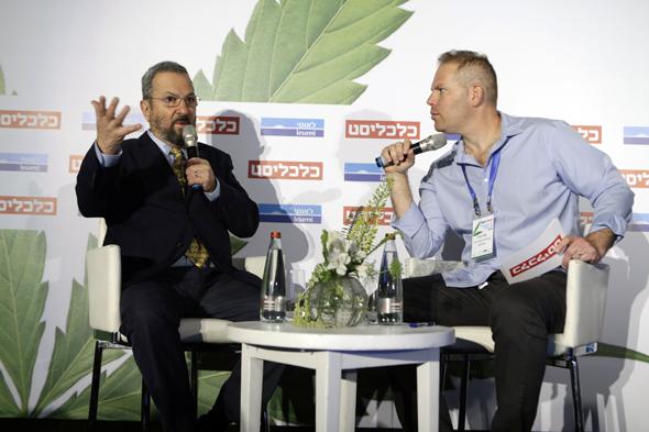כנס קנאביס אהוד ברק בשיחה עם כתב כלכליסט עמיר קורץ, צילום: עמית שעל