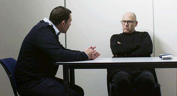 """צחי גראד (מימין) ומוריס כהן ב""""תיק נעדר"""", באדיבות כאן11"""