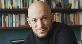 הסופר דרור משעני פנאי, צילום: תומי הרפז