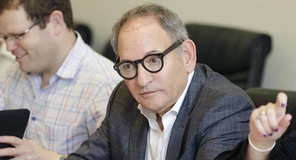 """עו""""ד אהוד אודי סול אסיפת מחזיקי אגח בזק 14.5.19, צילום: עמית שעל"""