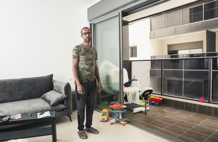 """אסף בן נון. """"אתה לא יכול לשבת בסלון, כל דיבור או פיהוק שלך נשמע אצל השכנים"""", צילום: תומי הרפז"""