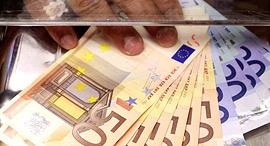 יורו אירו מטבע כסף אירופה שטרות, צילום: בלומברג