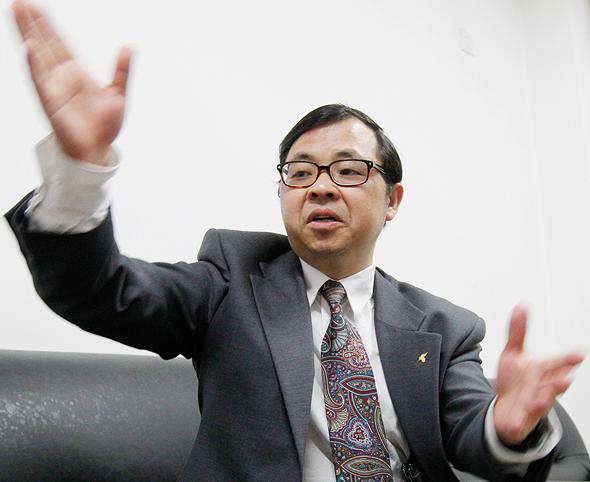 פרופ' יי פושיאן Yi Fuxian