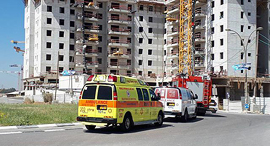 "פועלי בניין, צילום: מד""א"