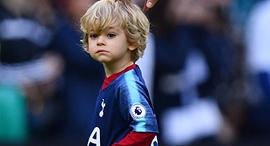 ילד לבוש לכדורגל. איך מזהים כישרון?, צילום: רויטרס