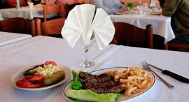 מסעדת הניצחון ב אשקלון נסגרה, צילום: צפריר אביוב