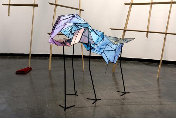 """העבודה """"שעות קיימות"""" של שיראל הורוויץ. מוצגת בתערוכה """"המאמינים"""" במוזיאון בת ים, צילום: טל ניסים"""