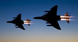 מטוסי פאנטום במבערים פתוחים, צילום: clemente3000