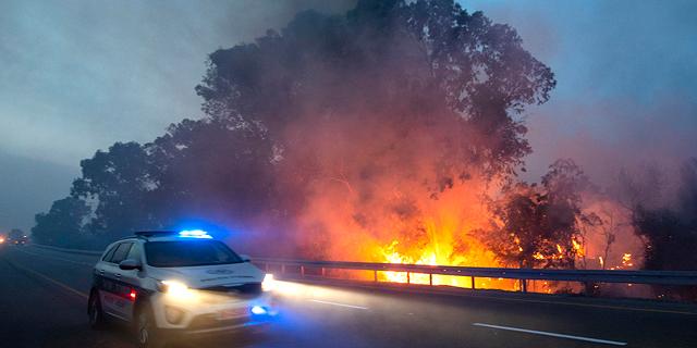 מטוסים ו-40 צוותי כיבוי: שריפות גדולות בדרום ובשפלה