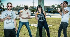 מימין מתן בן דוד סימה ברמי ניר קליין ו עודד עידן חברי להקת הפאנק Not On Tour נוט און טור פנאי, צילום: Ella Ben Yakar