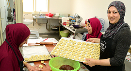 אבו סלאח במטבחה, צילום: נחום סגל