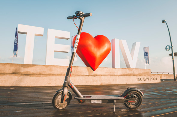 Electric scooter in Tel Aviv. Photo: Yanai Menachem