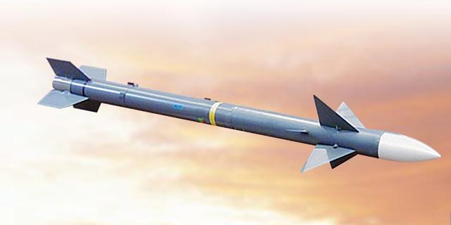 """3 חודשים לאחר הפלת מטוס שלה בידי פקיסטן: הודו מצטיידת בטילי """"דרבי"""" משופרים של רפאל"""