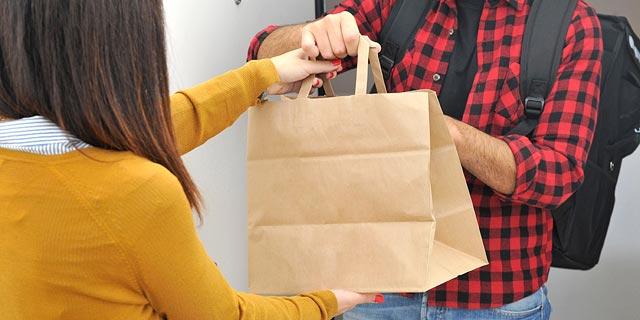 משלוחי האוכל מהמסעדות ימשיכו לפעול; התחבורה הציבורית - רק עם רב-קו